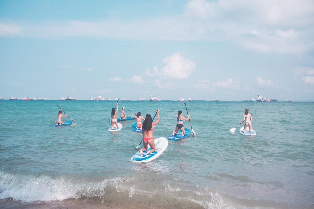 Standup paddling at Aloha Sea Sports